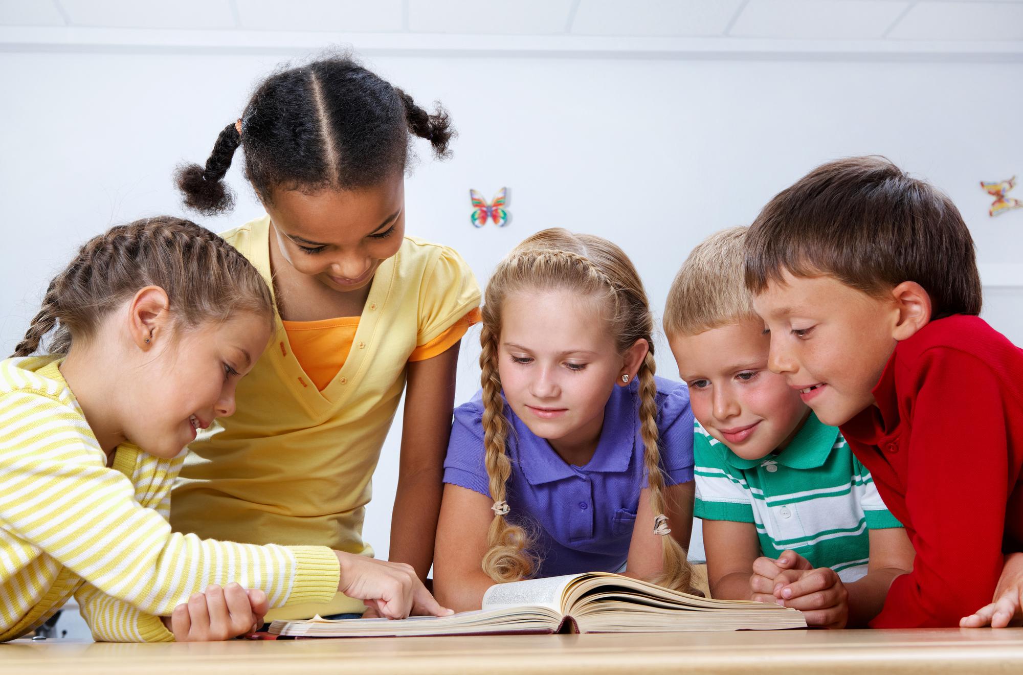 картинки разговаривающих учеников конкурсы поднимают настроение