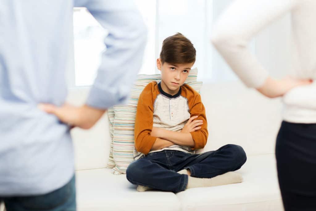 Что делать, если ребенок врёт? Тактика для родителей