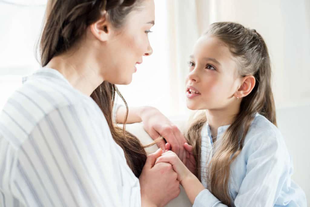 Как хвалить ребенка, чтобы это было ему на пользу